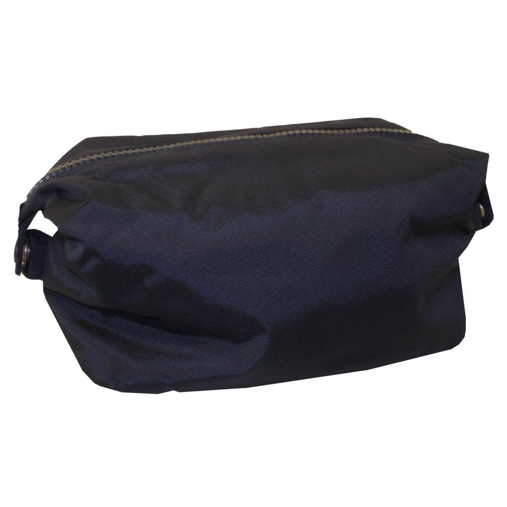 18920a34389 Gant Premium Wash Bag, Navy | Gant men's washbags | UnderU